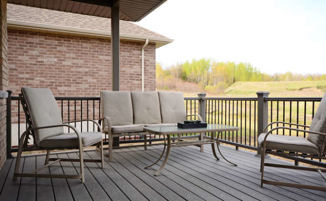 Tackaberry Ridge Model Home by-small-024-Back Deck-666×442-72dpi